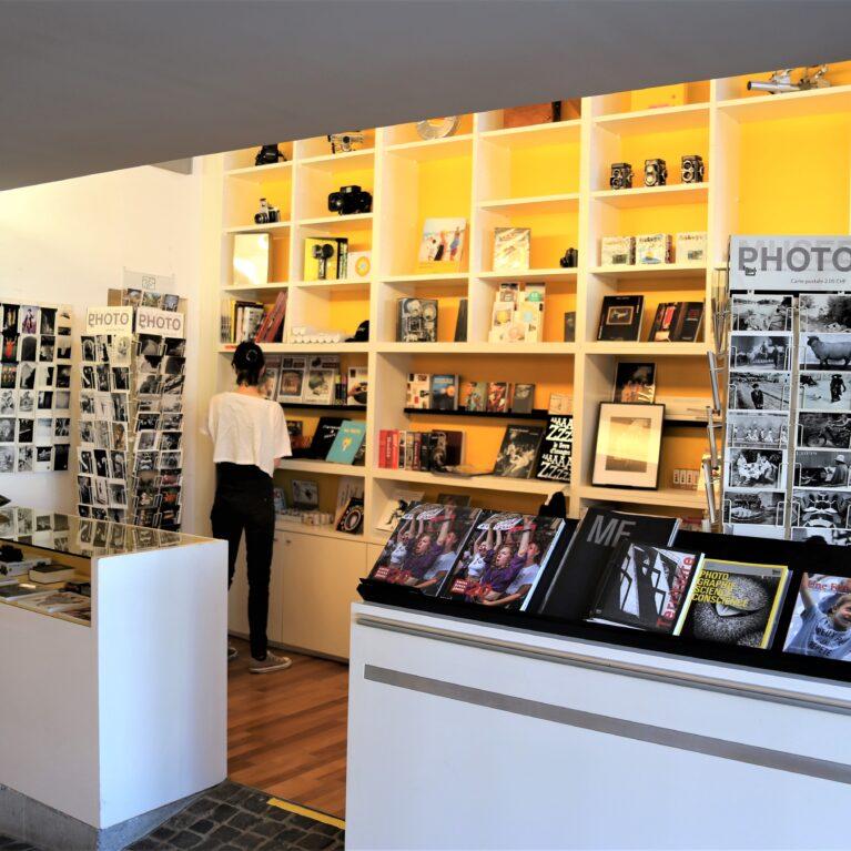 Boutique du Musée suisse de l'appareil photographique.